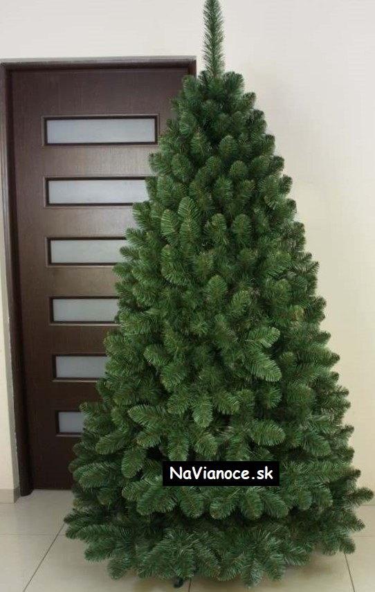 klasické vianočné stromčeky borovicové