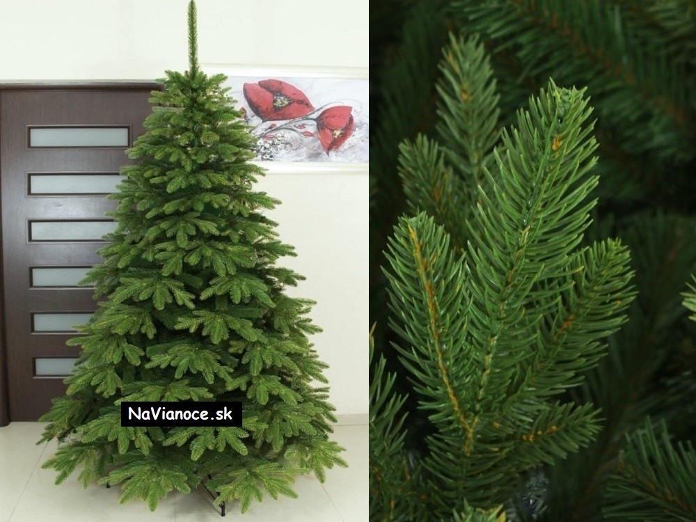 prírodný vianočný stromček