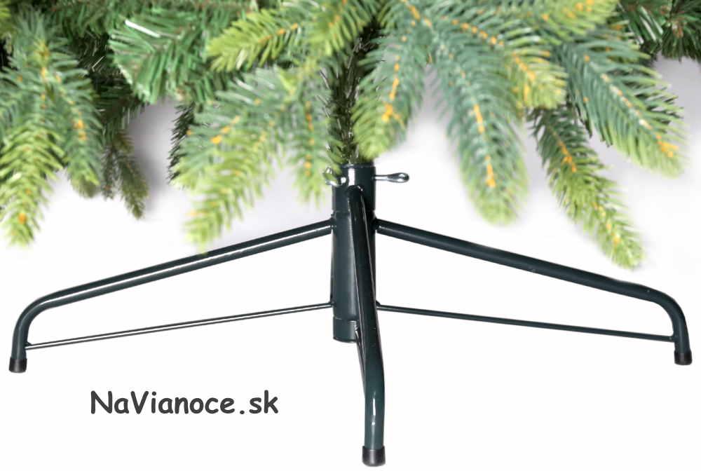 vianočné stromčeky so stojanmi
