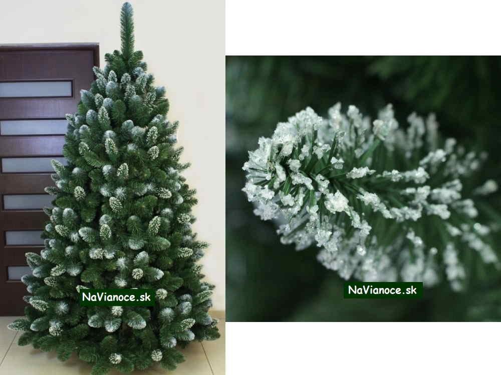 osnežený vianočný stromček zasnežený so snehom
