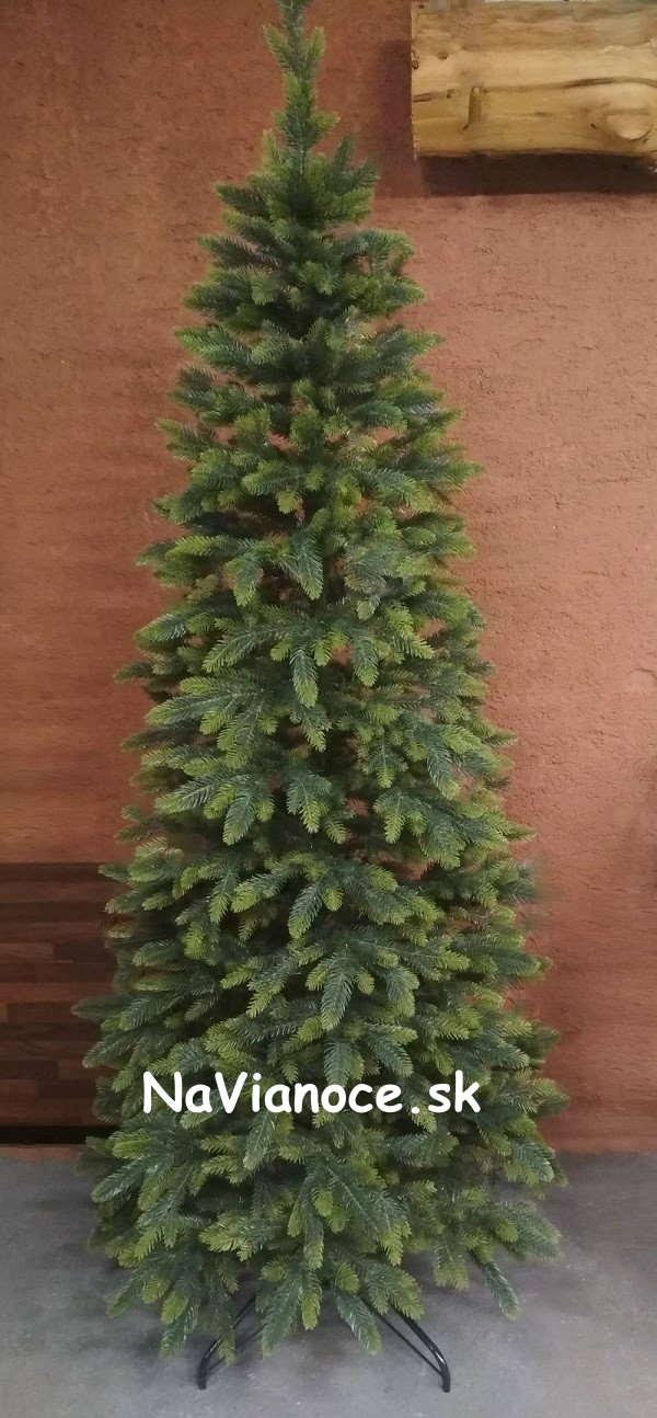 úzky vianočný stromček 3d ihličie