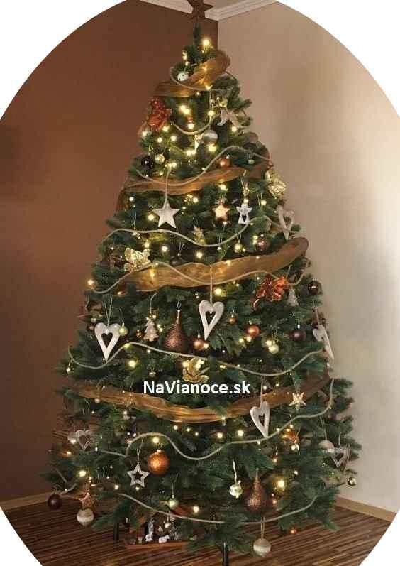 reálne fotky umelé vianočné stromčeky