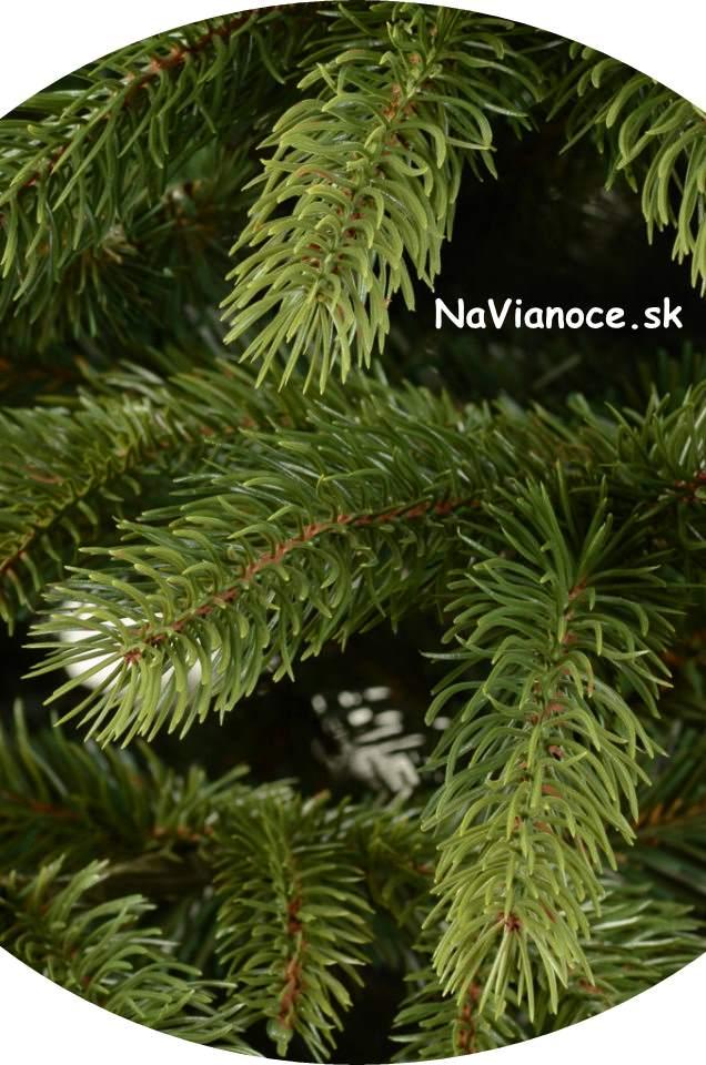 umelé vianočné ihličie