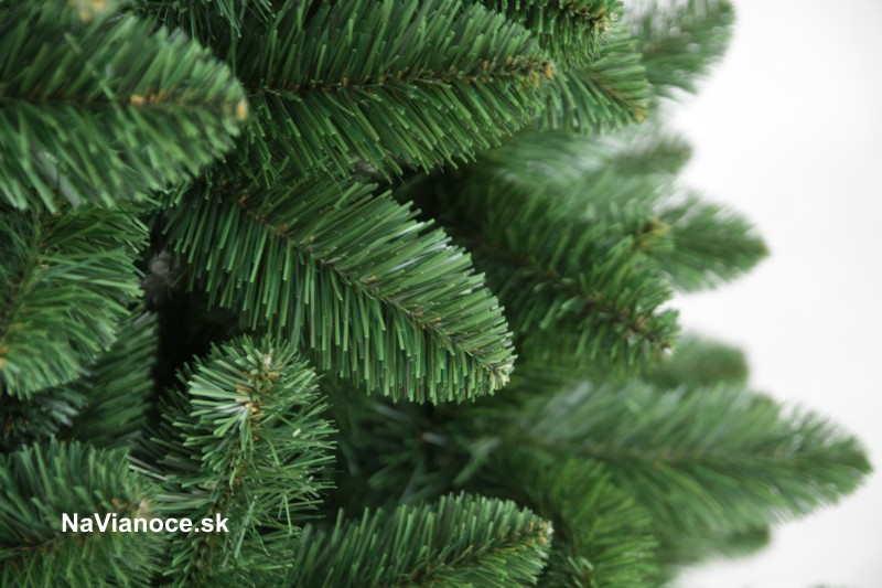 umelý zelený vianočný stromček borovicové obyčajné klasické ihličie
