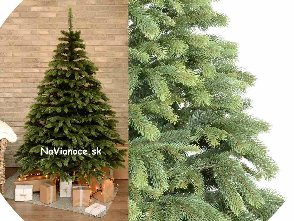 vianočný umelý stromček na Vianoce